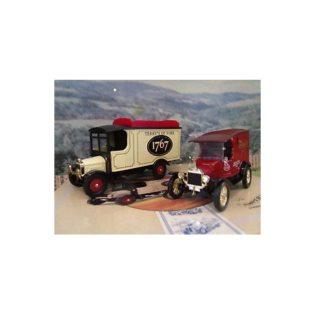 TERRYS OF YORK SET THORNEYCROFT & MODEL T VAN