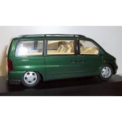 MERCEDES BENZ V230 GREEN