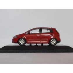 Volkswagen Golf 4 doors rood