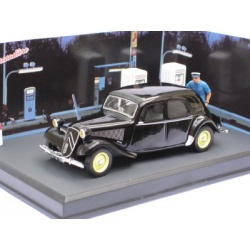 Citroen Traction Diorama