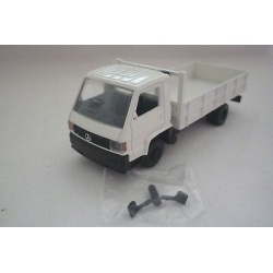 MB 700 short truck