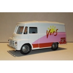 Morris 1959 LD 150 Van