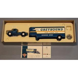 Diamond T620 Artic Met Greyhound Lines Fruehauf